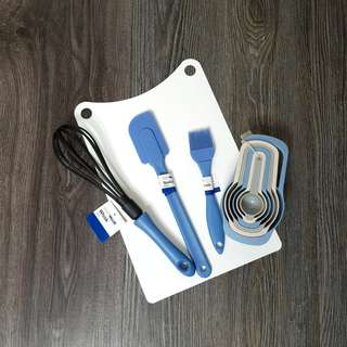Kitchen set of 5