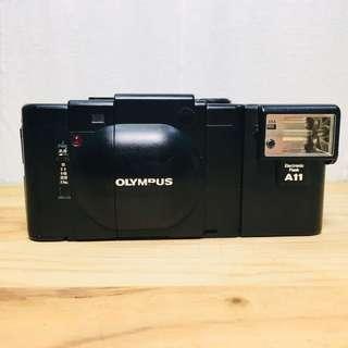 🚚 Olympus xa +A11閃光燈 135底片相機 移軸相機 lomo 暗角 街拍