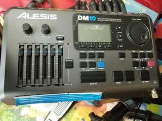 Alesis DM10 Studio Mesh - Electronic Drum Kit plus dw 5000 pedal and more