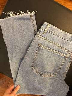 🚚 韓系淺色牛仔褲 東區購入