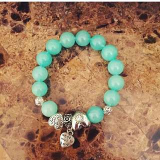 Green Quartzite stone bracelet with charm.