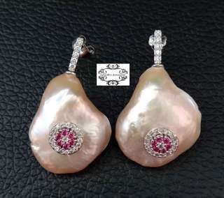 Platinum Lustrous Pink Genuine Baroque Keshi Pearl Cubic Zirconia Paved Studs Dangle Earrings  ..  鉑金光亮粉紅色真巴洛克Keshi珍珠蘇聯石耳針垂吊耳環