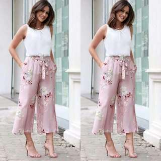 Top & Floral Pants Terno