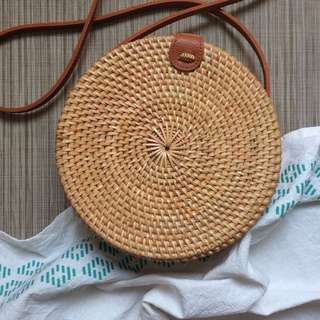 Round rattan bag from Bali