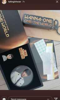 WTB Wanna one World Tour Badge set