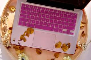 Macbook Keyboard Cover (pink)