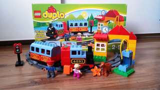 Lego Duplo battery motivated  train set