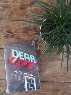 Dear Life (Alice Munro)