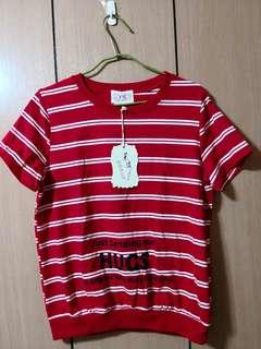🚚 韓國采漾紅色字母線條短袖上衣
