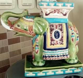 Gajah keramik