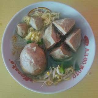 Bakso daging + telor
