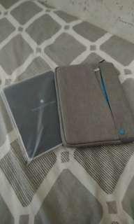 Smart cover 及9.7吋保護袋