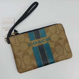 NEW COACH CORNER ZIP WRISTLET