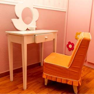Kid's Dressing Table and Chair (Suitable for Girls)