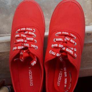 [H&M] Red Sneakers