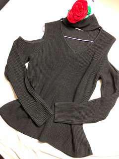 Supre Knitted Turtle Neck ft shoulder cut-off
