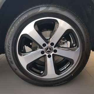 "GLC 200 Stock Mercedes 19"" Rims + Pirelli Run Flat Tyres (235/55/19)"