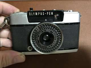 Vintage Olympus Pen EE-3 (for Display Only)