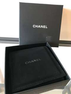 CHANEL black white gold large CC plated loose fitting with faux pearls bracelet