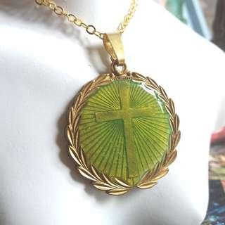 ✨ 美國古董 🌾 黃銅橄欖葉十字架聖物牌 送合金頸鏈 ✨ =現貨己售 歡迎預訂=