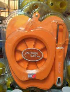 🚚 Kitchen Set: Peeler,  Fruit Cutter,  Portable Cutting Board