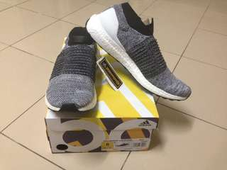 AUTHENTIC Adidas ultraboost laceless shoes size 8 8.5 9 9.5 10 10.5 11