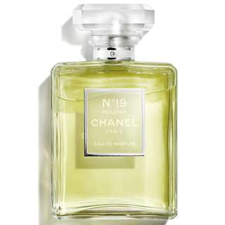 CHANEL N°19 POUDRÉ Eau de Parfum Spray