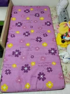 單人折疊式床墊
