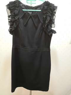 Little black dress with ruffle sleeves