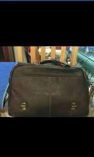 Samsonite Authentic Leather flapover case for men