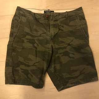 95% new Abercrombie & Fitch A&F washed 迷彩Camo shorts size 31