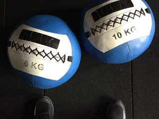 CROSSFIT WALL BALL weighted exercise ball (2x 6kg, 2x 10kg)