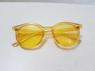 Yellow jelly sunglasses transparant