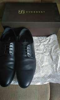 Sepatu kerja Everbest