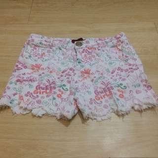 Celana pendek motif sz 18