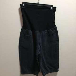 maternity shorts (knee length)