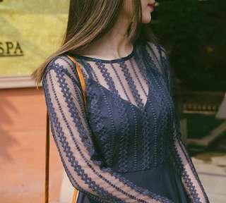 🚚 轉賣Mercci22 唯美蕾絲拼接露背洋裝 藍s