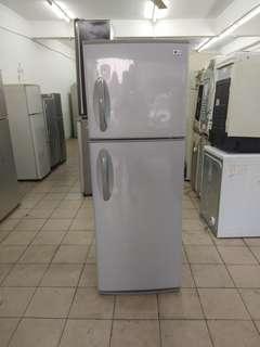 Lg too door fridge