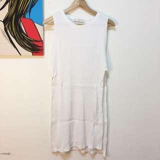 🚚 Pall&Bear 白色薄針織長版背心