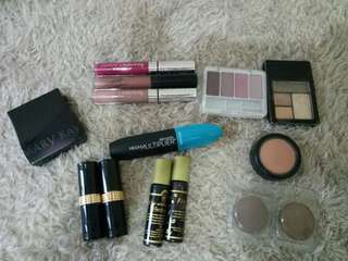 Take All 14 Pieces Make Ups