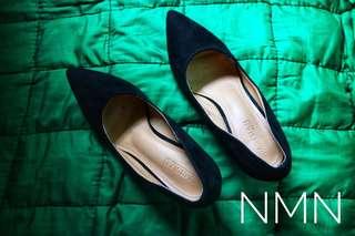 Parisian Pointed Black Shoes