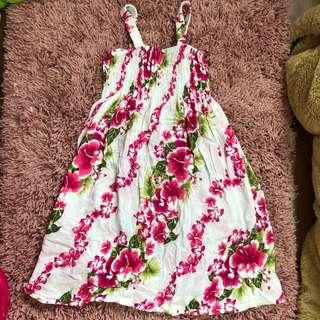 🚚 花朵圖案 女孩細肩帶洋裝