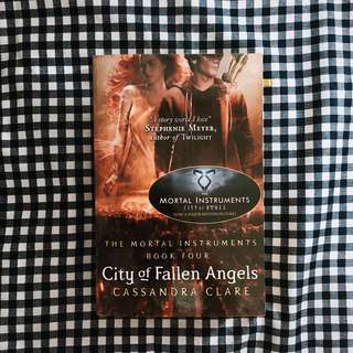 City of Fallen Angles (by Cassandra Clare)