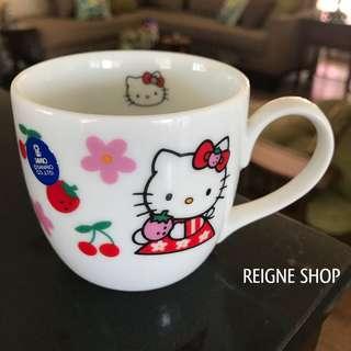HELLO KITTY MUG / CUP