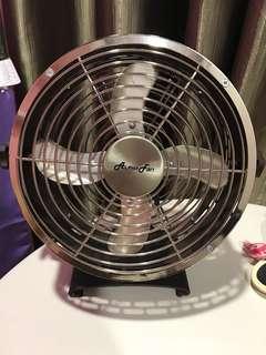 Alpha table fan