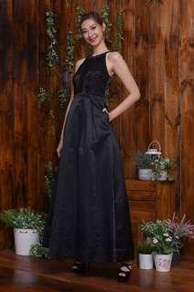 Black Carpet Gown for Remt