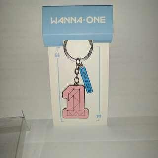 Gantungan kunci keychain Wanna one import
