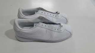 Nike cortez white size 42.5