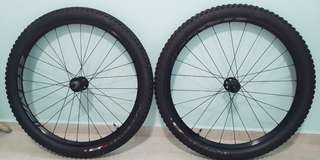 Roval 650b Alu Boost Wheelset with Tires