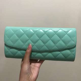 MINT CLUTCH with chain strap